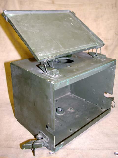 Clansman Land-Rover Wing Antenna / ATU Box