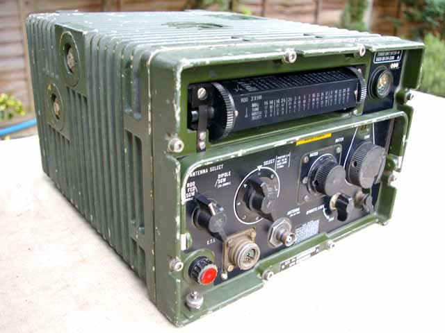 Army Radio Sales Co  :: Our Museum Items :: Clansman HF 250