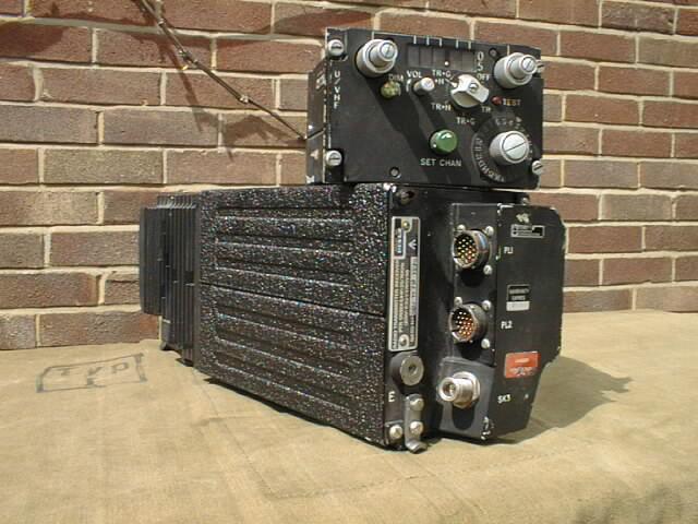 Plessey PTR-1751 Airborne UHF/AM Transceiver